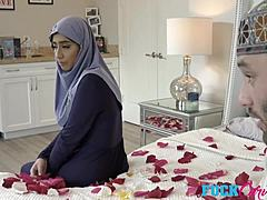 Violet Myers In Childbearing Hijab groins