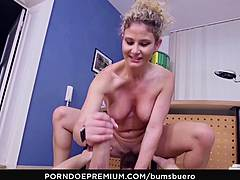 Butts BUERO - Depressed fellow catches fortunsavage ass sexe at the office with German secretary Izzy Mendosa